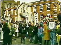 The phenomena of Nurses on strike starts the rejection of Thatcherism